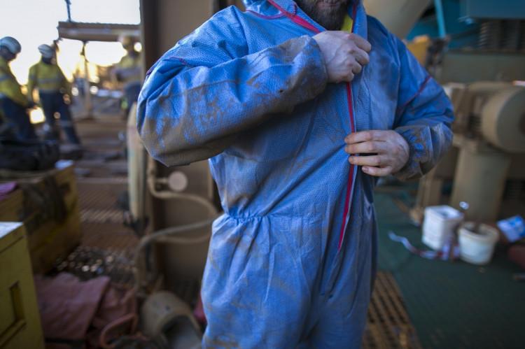 Vask og reparasjon av arbeidstøy